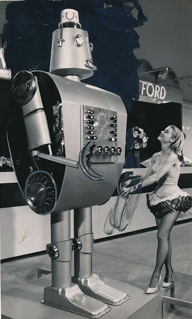 freddie-ford-robot-65-press-x640