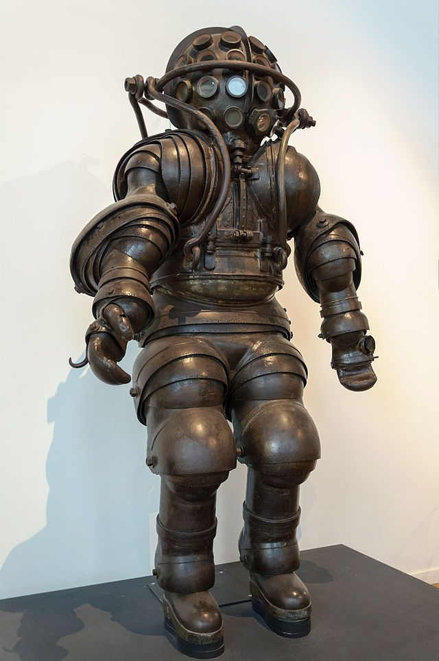 Scaphandre Carmagnolle MnM Paris x640 1878   Diving Suit   Carmagnolle Bros. (French)