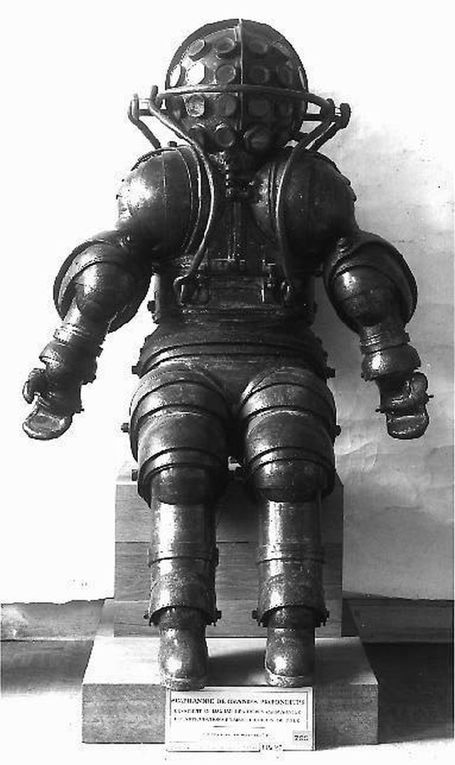 carmagnolle 1878 x640 1878   Diving Suit   Carmagnolle Bros. (French)