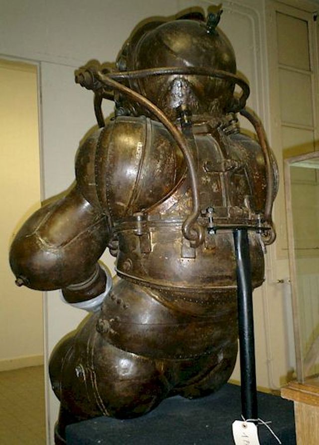 carmagnolle 6 x640 1878   Diving Suit   Carmagnolle Bros. (French)