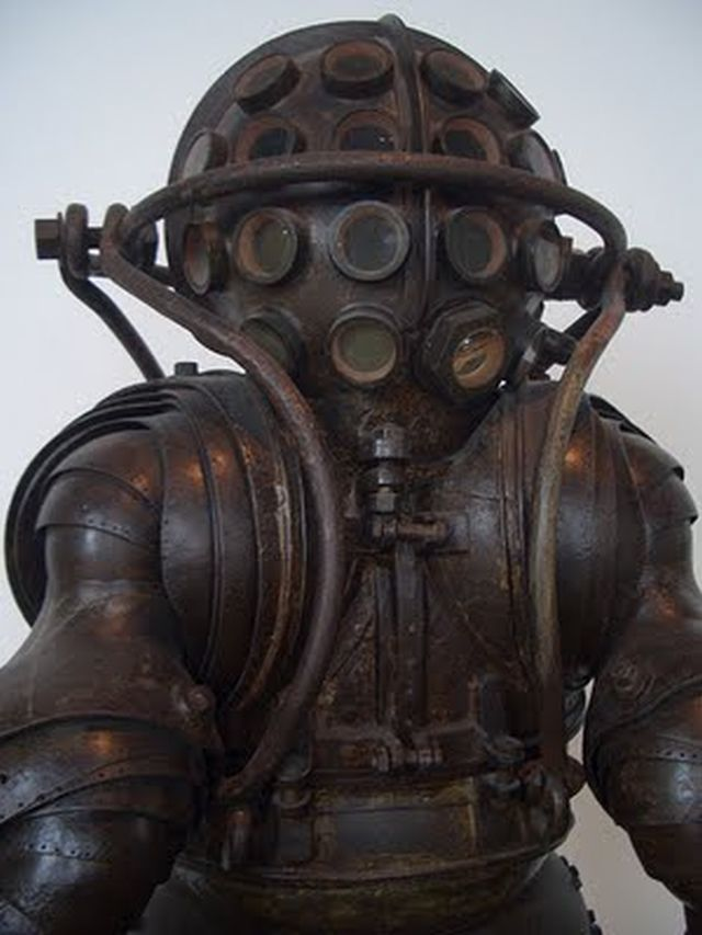 1878 diving suit carmagnolle bros french for Big daddy s antiques