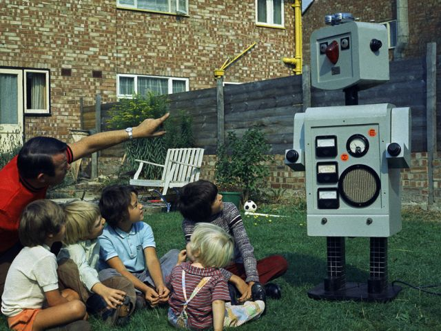 religious robbie robot x640 1973   Robbie the Pulpit Robot   Rev. Ron Mackenzie (British)