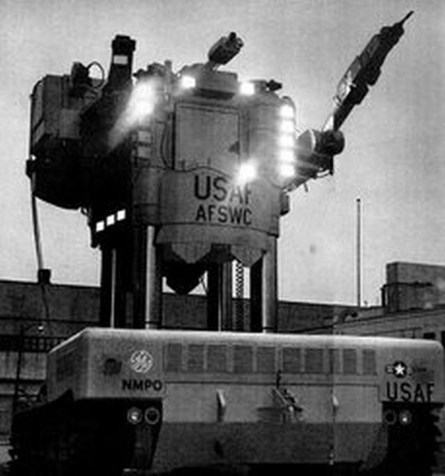 robot archive beetle x640 1958 62   Beetle Mobile Manipulator   G.E. Corp. (American)