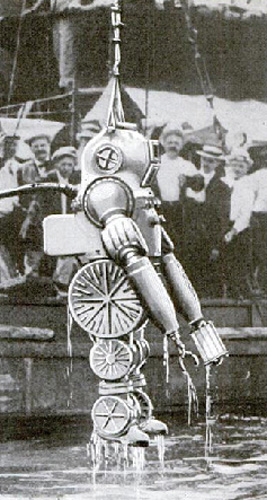 1914-macduffee-deep-sea-diving-suit-1