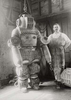 1914-macduffee-deep-sea-diving-suit-5