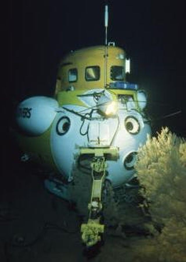 the-submersible-star-ii-x640