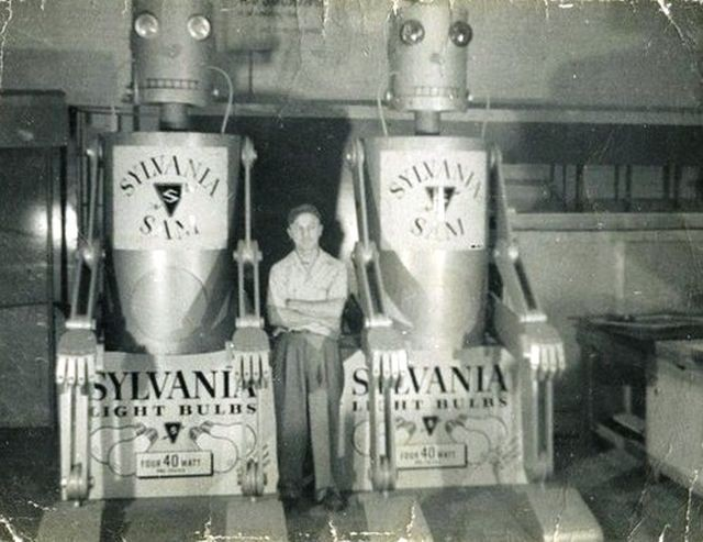 sylvania-sam-advert-robots-50s -x640