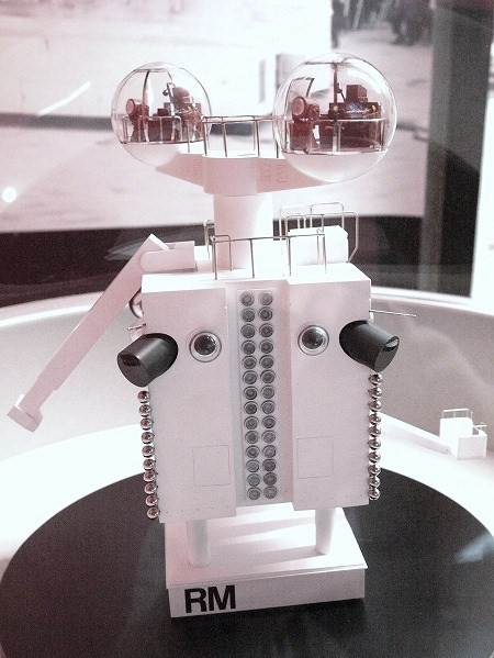 EXPO70 isozaki robot model x640 1970   Expo70 Osaka Demonstration Robot   Arata Isozaki (Japanese)