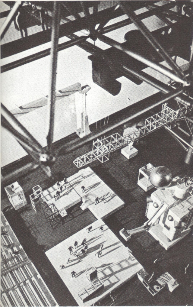 Expo70 ArchigramCookp1 x640 1970   Expo70 Osaka Demonstration Robot   Arata Isozaki (Japanese)