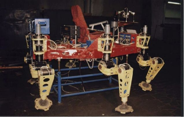 NMlllA russian hexapod 1985 colour x640 1985   NMIIIA Hexapod Manned Rover   (Russian)