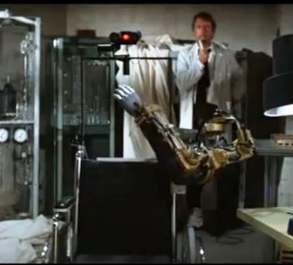 demon seed joshua head voice control 2 x640 1977   Joshua the wheelchair Robot from Demon Seed   (American)