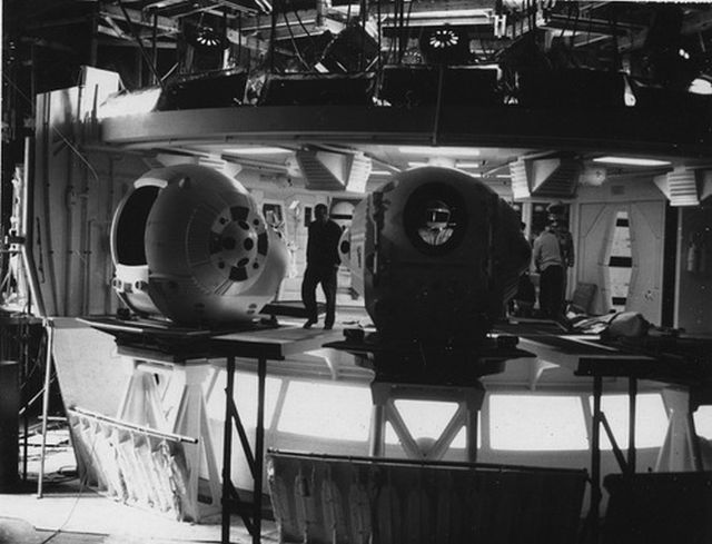 2001 pod bay props x640 1965 8   Space Pod   2001: A Space Odyssey   Clarke (British) / Kubrick (American)