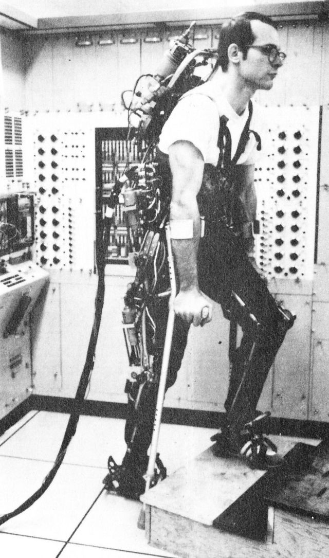 Grundmann exoskeleton mkIII 2 x640 1971   A computer controlled multi task powered exoskeleton for paraplegic patients   Jack George Grundmann / Ali Seireg (American)