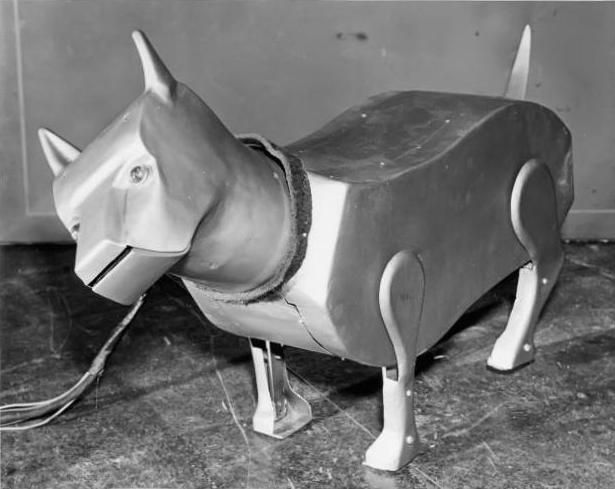 Sparko Robot Dog x615 1940   Sparko the Robot Dog    (American)