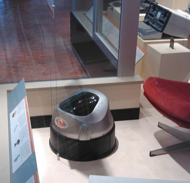 floorbotics robot monash 4 x640 1991/2002   Floorbotics Robotic Vacuum Cleaners   G. T. Duncan Ashworth (Australian)