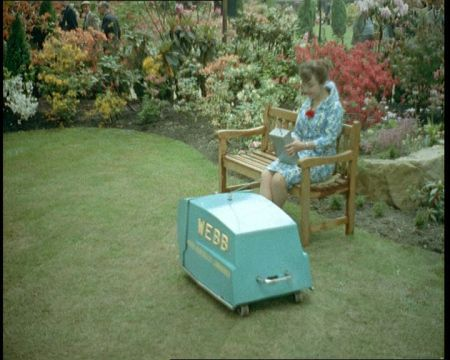 robot gardening 91 19 11 x640 1959   Webb Radio controlled Electric Lawnmower   Vic Rigby (British)