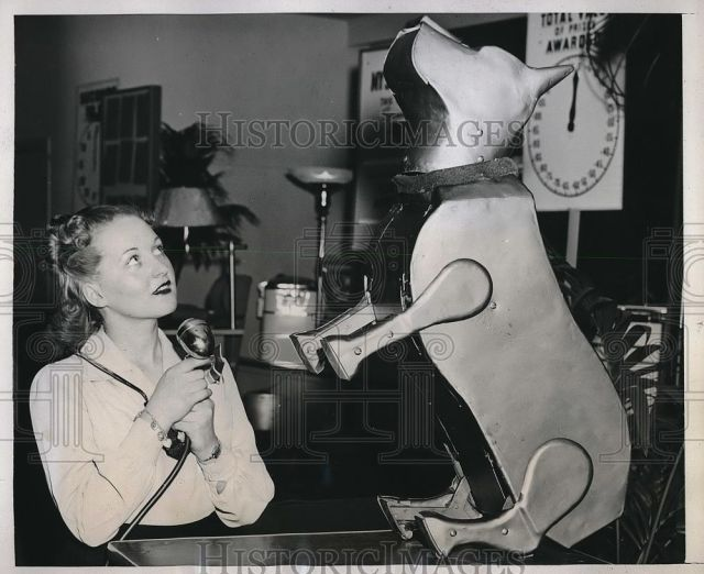 sparko 1943 jean press 1 x640 1940   Sparko the Robot Dog    (American)