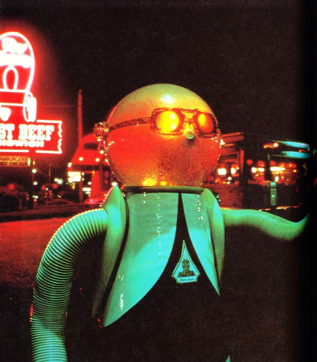 klatu robot 0048 x640 1977   Klatu the Household Android   Quasar Industries (American)