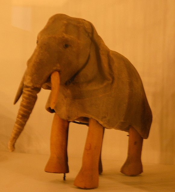 morris museum new jersey x640 Mechanical Elephants   Toys and Automata
