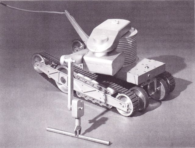 rivet robot 0003 x640 1967   RIVET (Remote Inspection VEhicle Telechiric)   Hugh A. Ballinger (British)